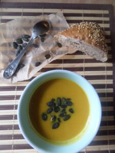 SAM 1564 225x300 Easy Pumpkin Soup with Ginger