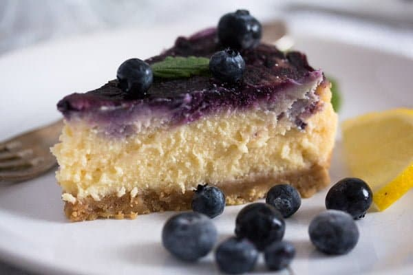 baked cheesecake slice