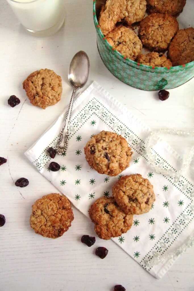 muesli cookies cherry 683x1024 Muesli Peanut Butter Cookies with Cinnamon and Cranberries