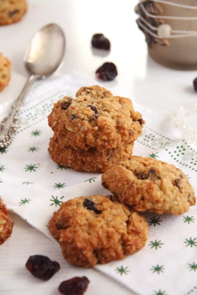 muesli cookies raisins 683x1024 Muesli Peanut Butter Cookies with Cinnamon and Cranberries