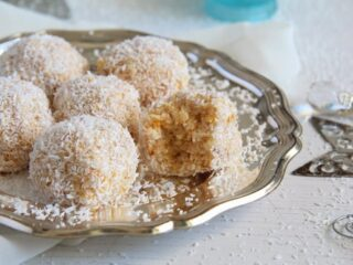 cake balls recipe with coconut and pineapple
