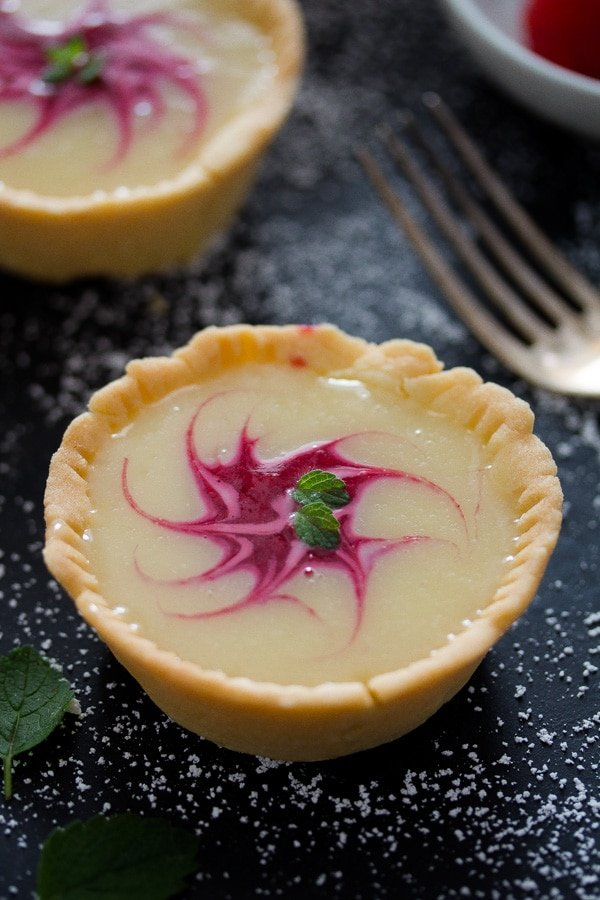 white chocolate tartlets with raspberries