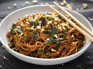 soy sauce noodles with peanut butter and spinach
