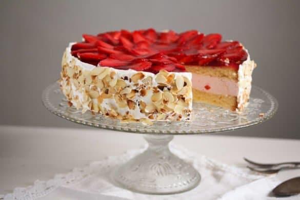 strawberry cheesecake 5 585x390 50 Spring Recipes