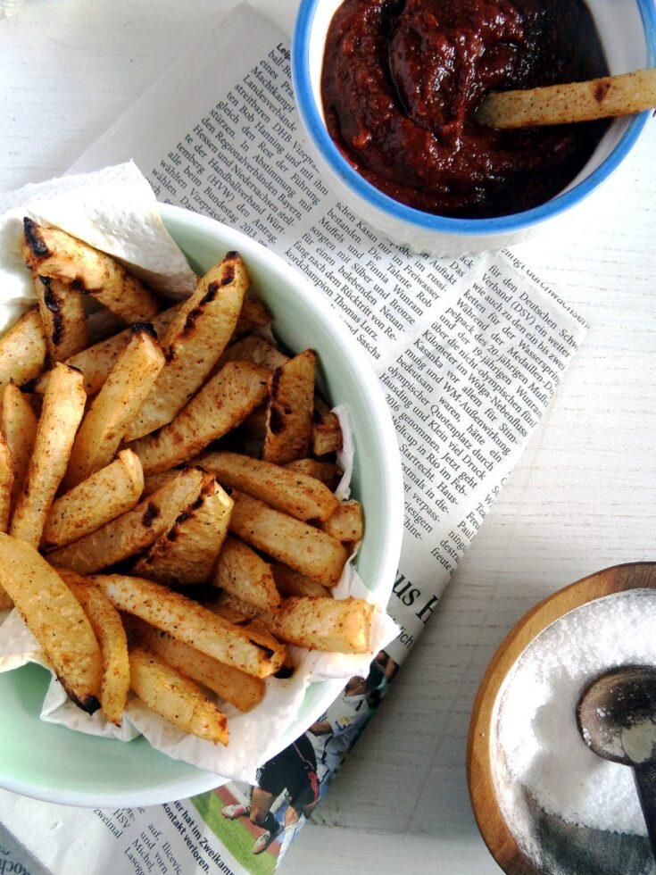 , Kohlrabi Fries with Curry Ketchup – Low-Carb Fries