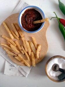 kohlrabi fries ketchup 225x300 Kohlrabi Fries with Curry Ketchup   Low Carb Fries