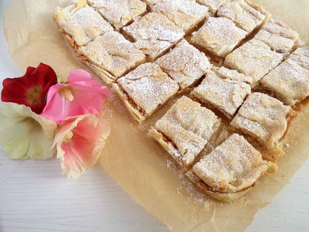 Apple Slice Recipe apple pie cut into squares