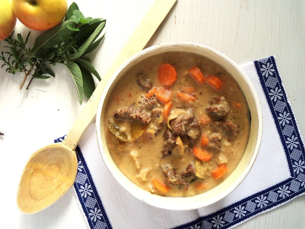 apple beef goulash French Beef Stew with Olives and Red Wine