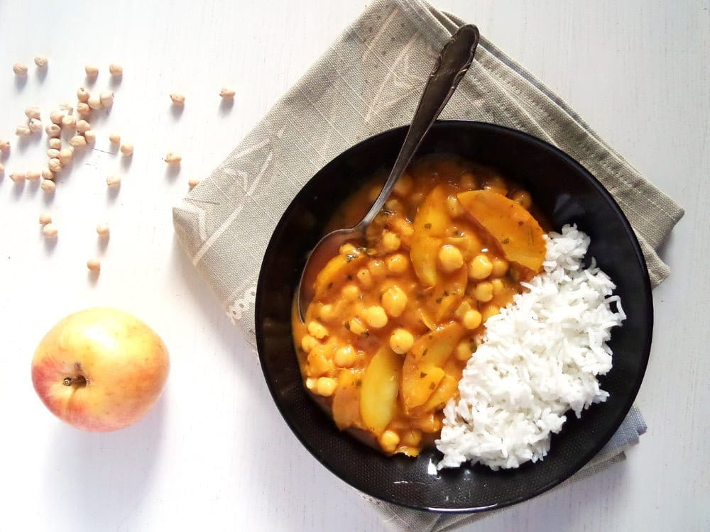 Vegan Apple And Chickpea Curry