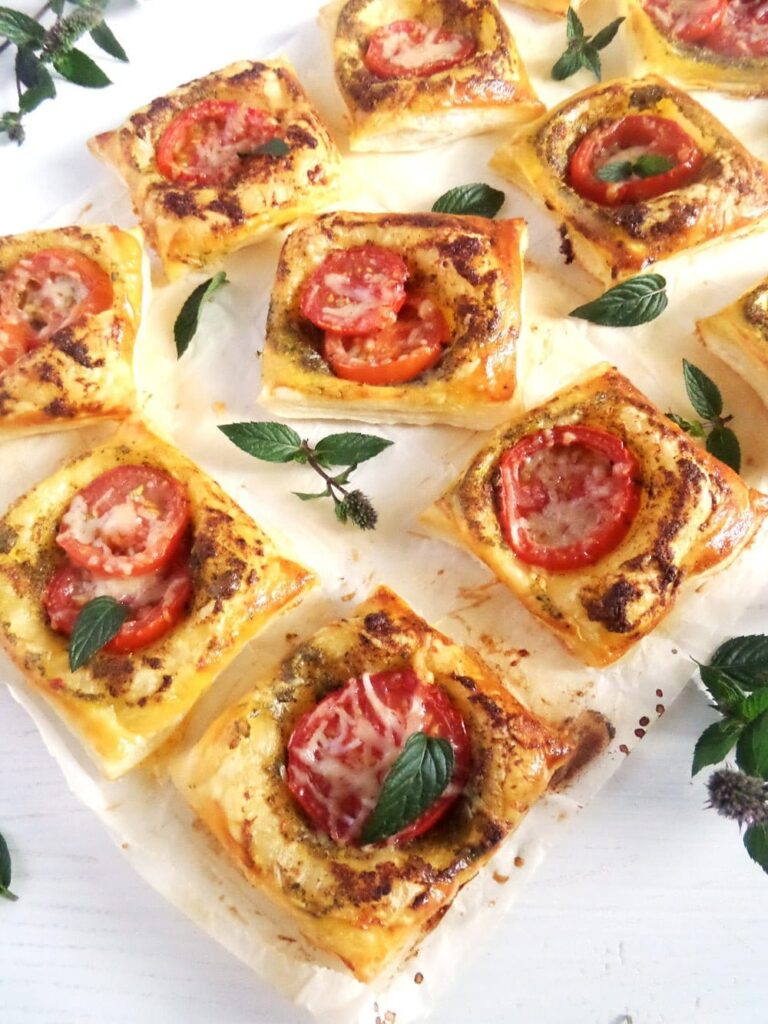 pastry squares with mint pesto and tomatoes