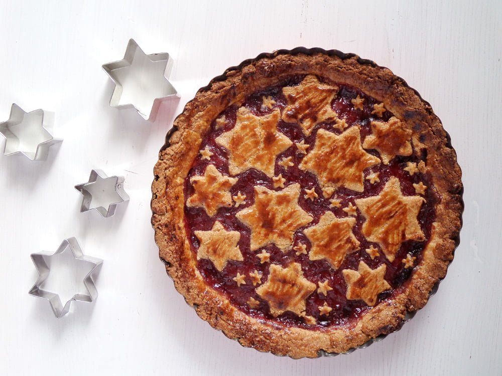 linzer torte almonds Austrian Linzer Torte with Almonds and Redcurrant Jam