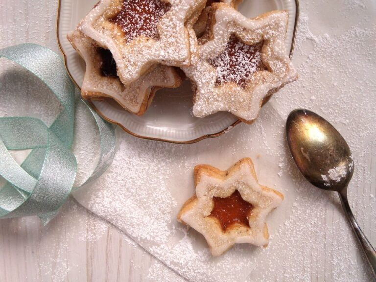 star cookies jam 768x576 Spitzbuben   German Star Shaped Almond Jam Cookies