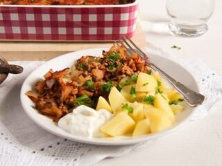 ground pork and cabbage served with boiled potatoes