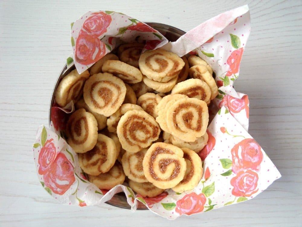 walnut cookies German Walnut Marzipan Cookies