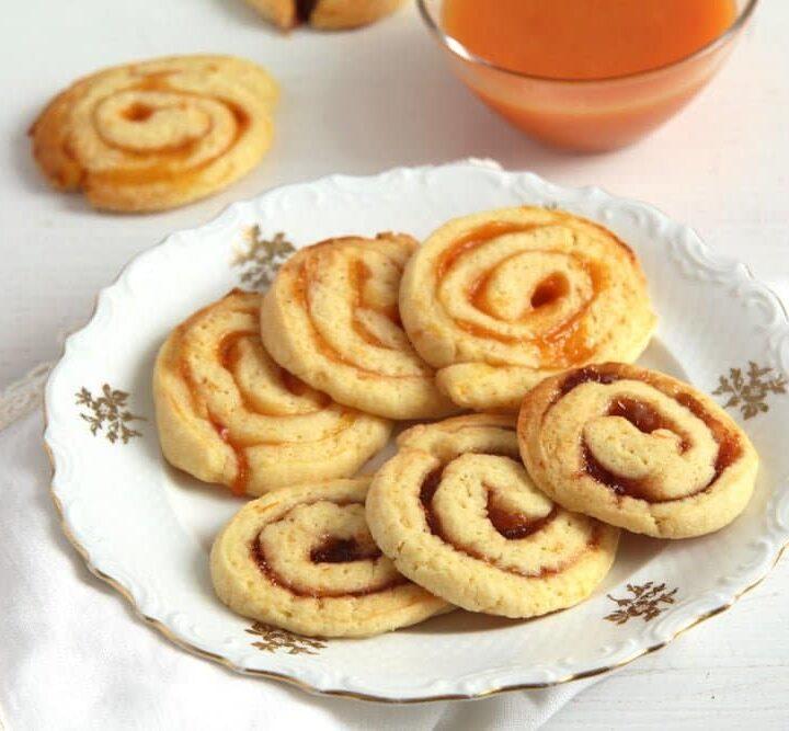 english swirl cookies with jam
