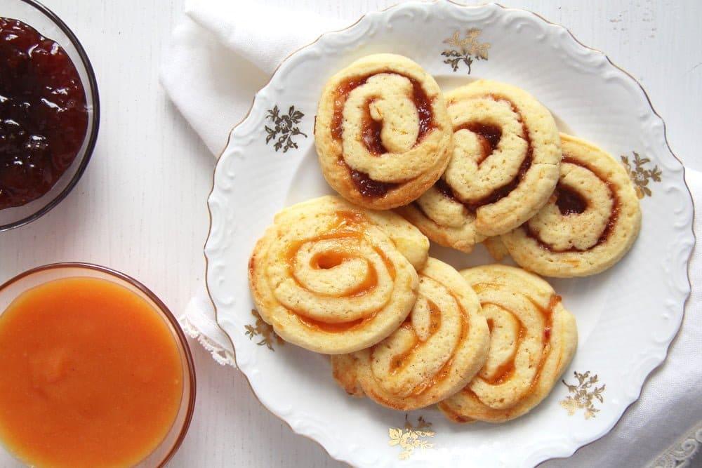orange swirls Quick and Easy Apple Puff Pastry Rolls