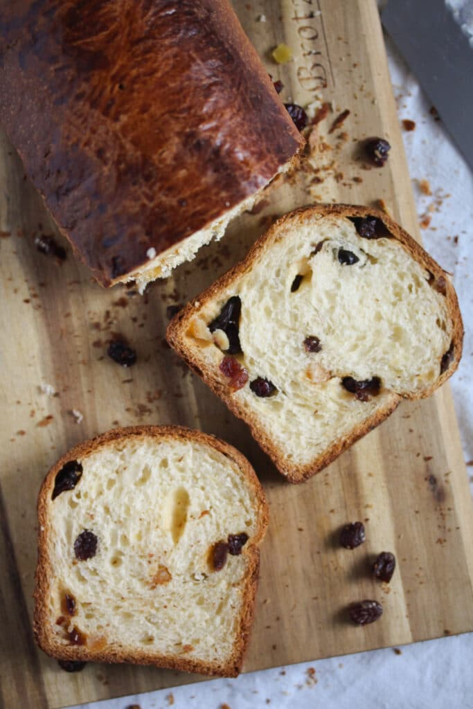 yeasted sweet bread with dried fruits