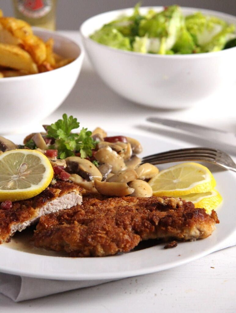 Jägerschnitzel recipe with hunter sauce