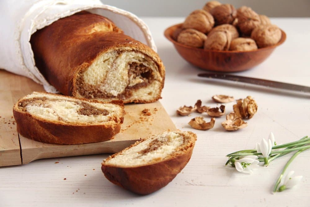 sweet bread romanian Walnut Cake with Candied Walnuts Recipe