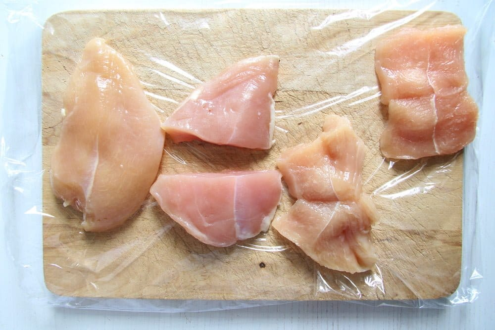 cutting chicken breast for cordon bleu
