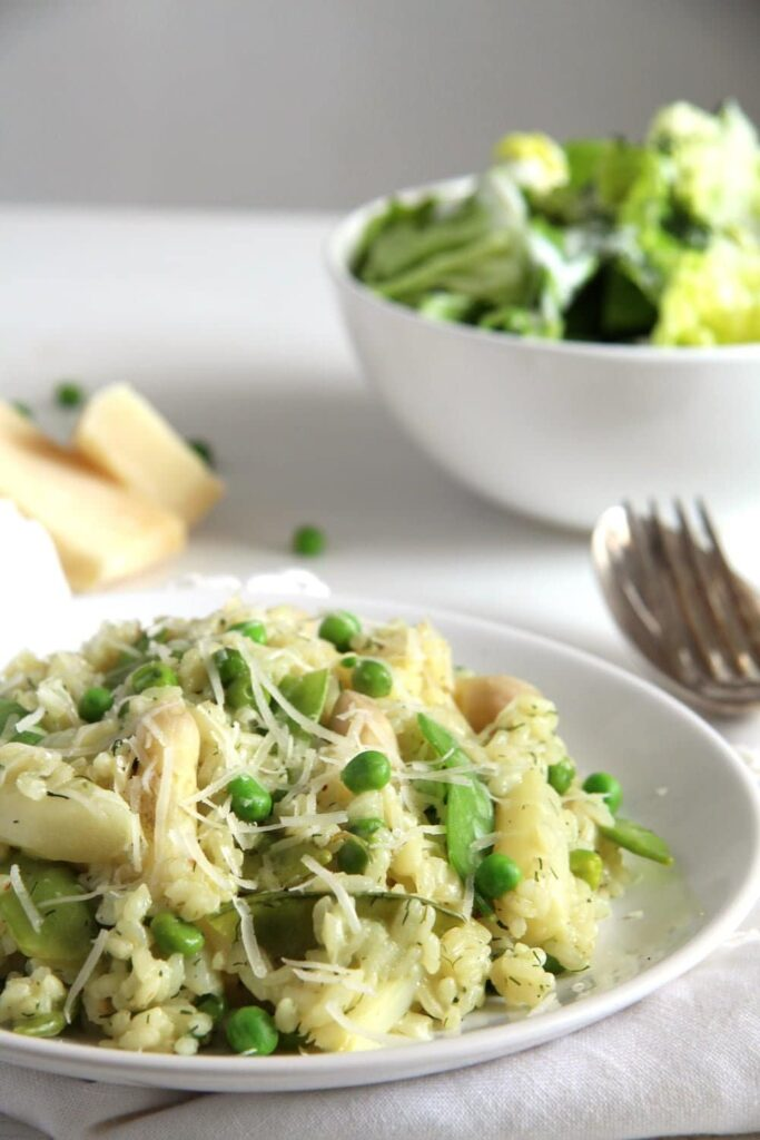asparagus risotto peas 683x1024 Creamy Asparagus Risotto with Peas, Dill and Parmesan