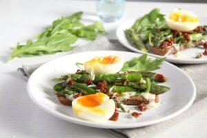 asparagus sandwich arugula 300x200 Asparagus and Egg Toast