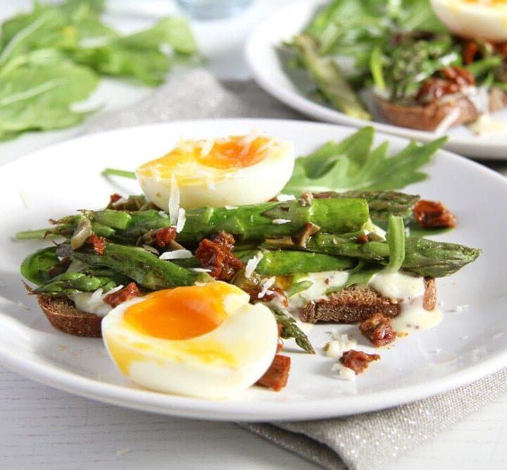 asparagus and eggs open sandwich