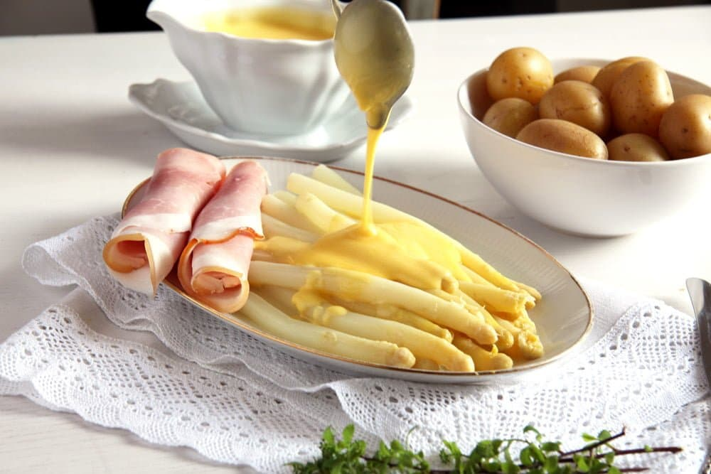 asparagus sauce hollandaise White Asparagus with Sauce Hollandaise and Ham   German Recipe