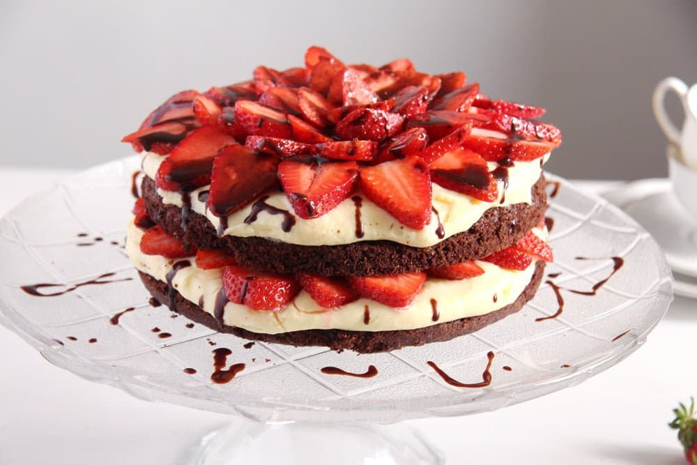 Brownie And Strawberry Cake Recipe