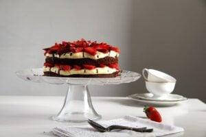 brownie strawberry 300x200 Brownie Cake with Strawberries