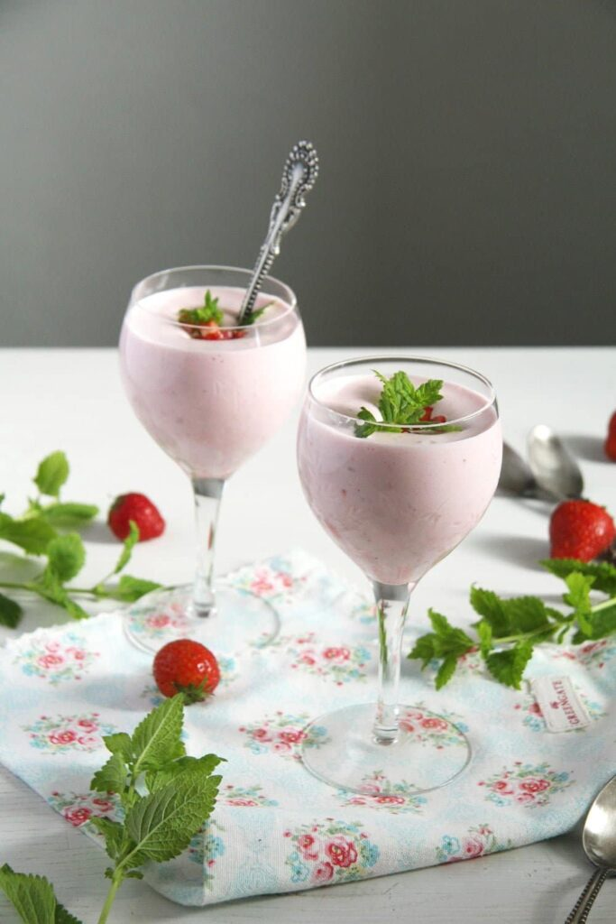 spring dessert in wine cups decorated with mint