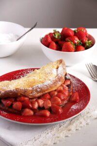 strawberry pancakes sugar 200x300 strawberry pancakes sugar