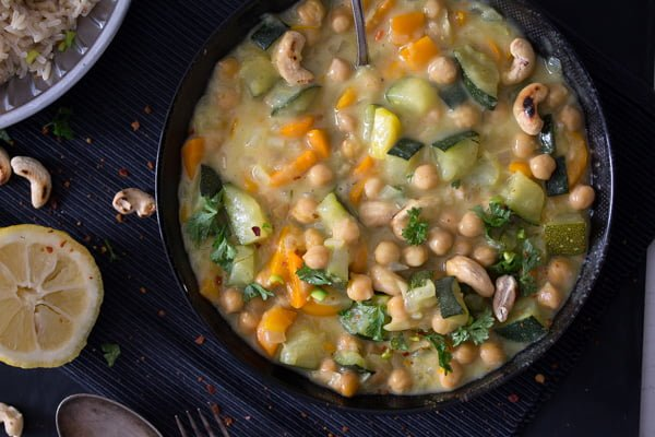 easy chickpea curry with coconut milk