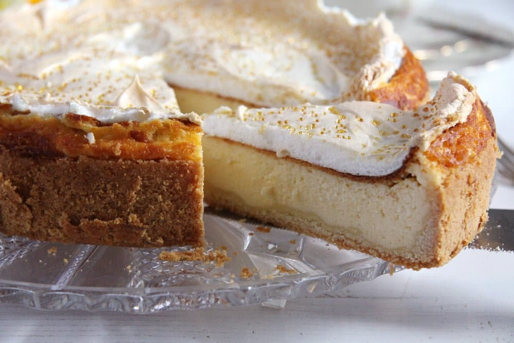 german cake meringue German Cheesecake with Low Fat Quark and Meringue Topping