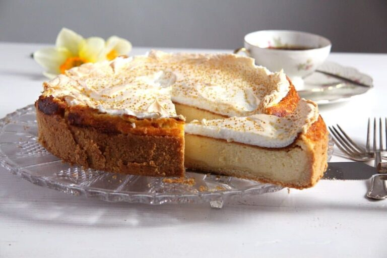 german cheesecake dessert 768x512 German Cheesecake with Low Fat Quark and Meringue Topping
