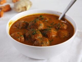 meatball curry ready to be served