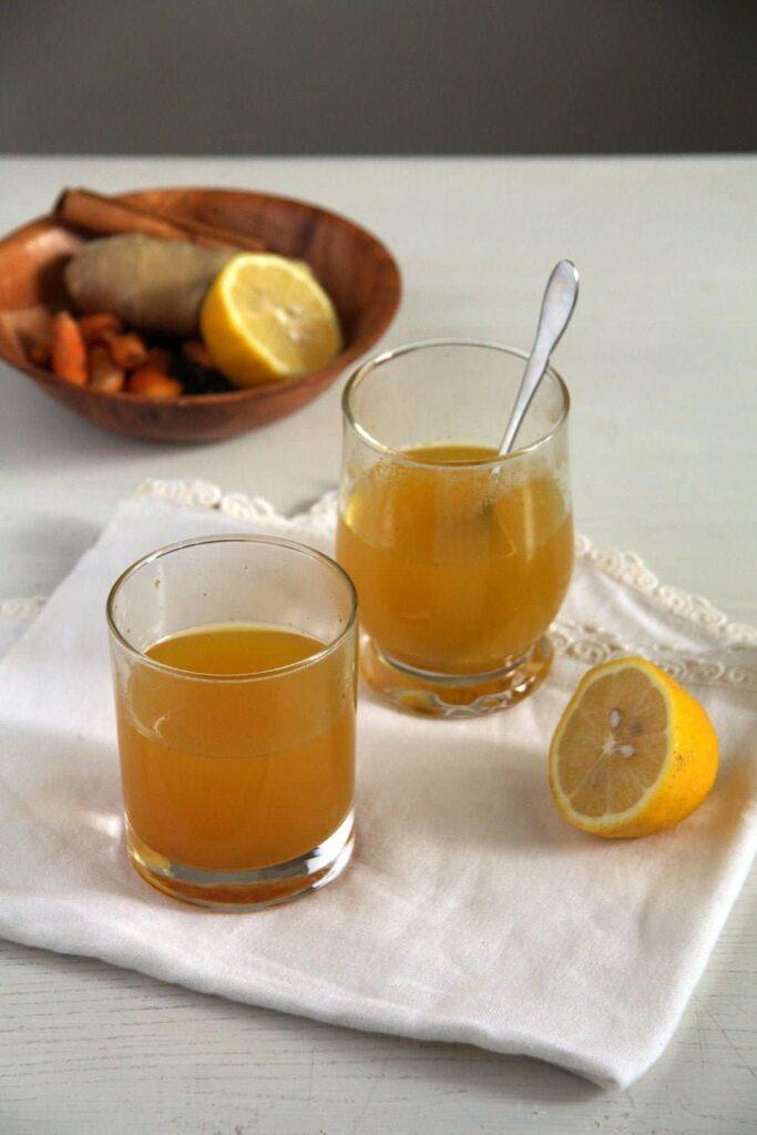 turmeric tea ginger 683x1024 Golden Turmeric Ginger Pepper Tea for Sore Throat