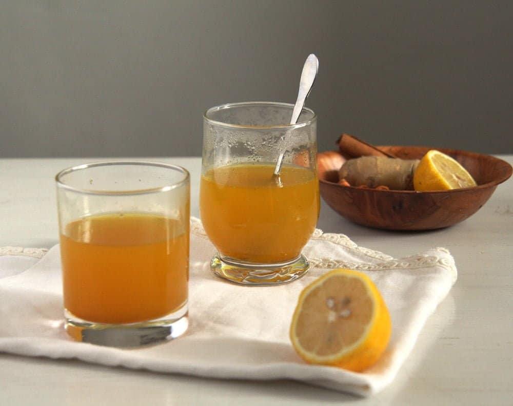 turmeric tea pepper Golden Turmeric Ginger Pepper Tea for Sore Throat