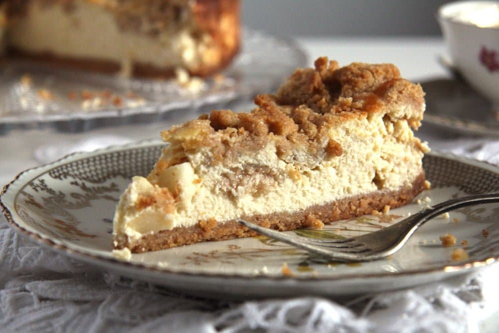 Apple Streusel Cheesecake