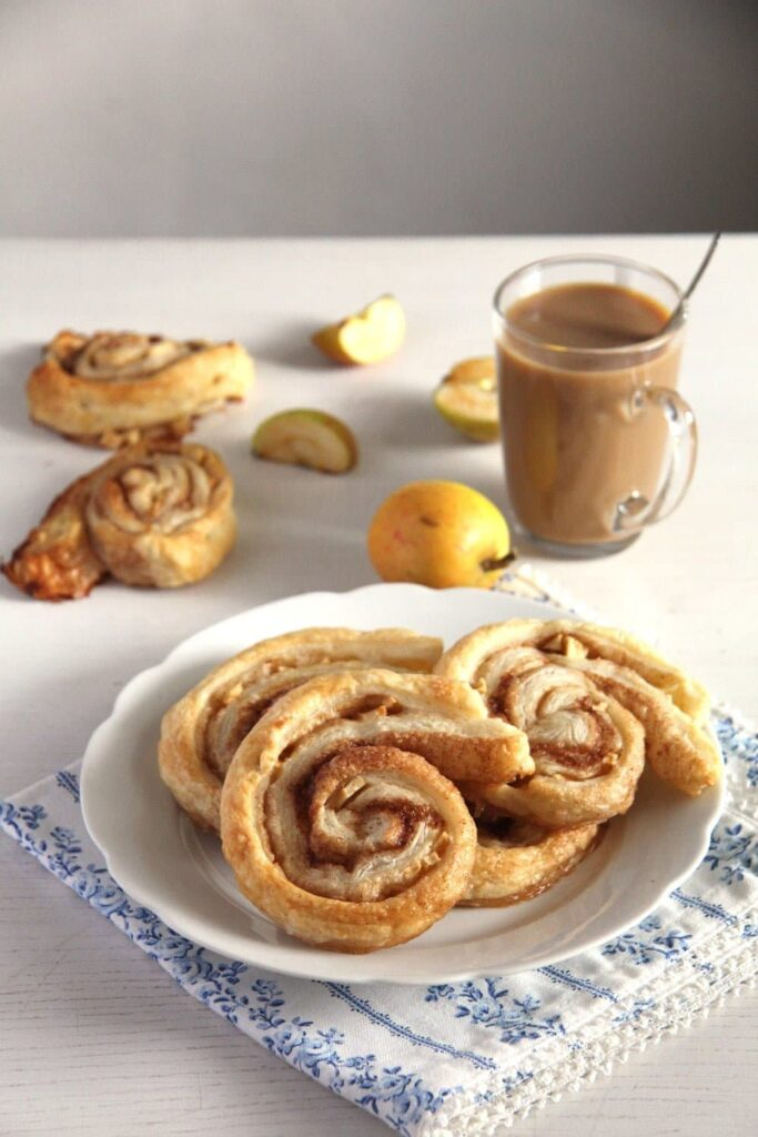 Apple Puff Pastry Rolls