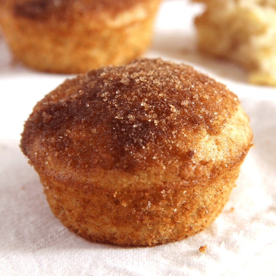cinnamon muffins recipe with apple and sugar coating