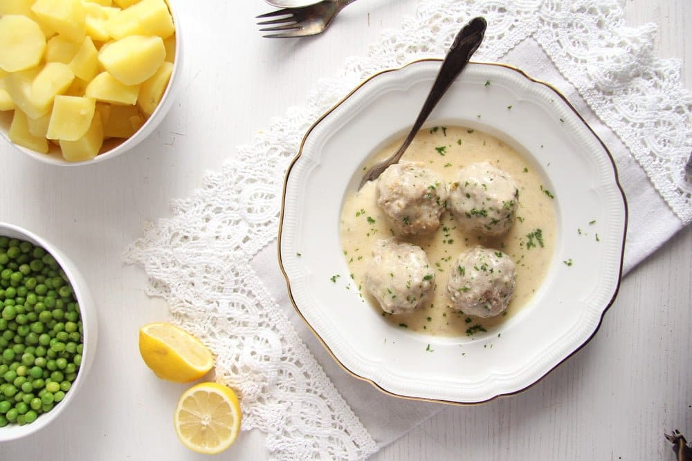 klopse recipe with capers and white sauce
