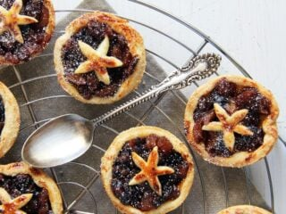 mince pies with dried fruit filling