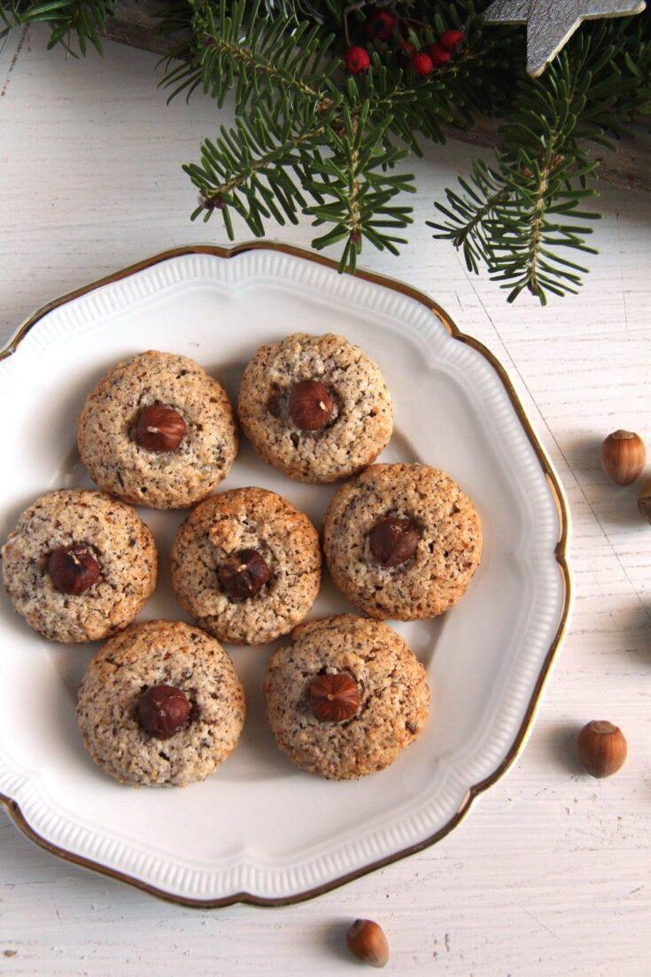 , Chewy German Hazelnut Macaroons – Nussmakronen