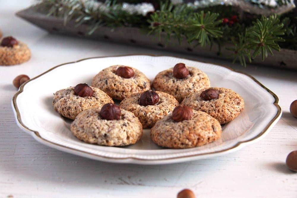 hazelnut macaroons german Crunchy Hazelnut Dark Chocolate Biscotti