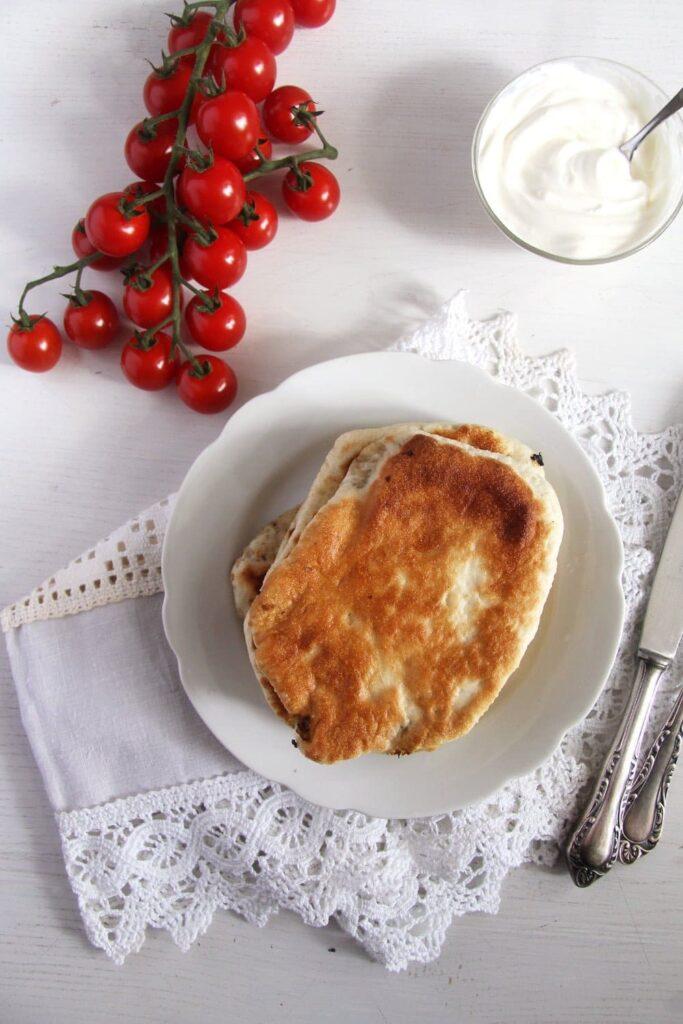 cabbage pie romanian 683x1024 Romanian Cabbage Dill Pies – Placinte cu varza