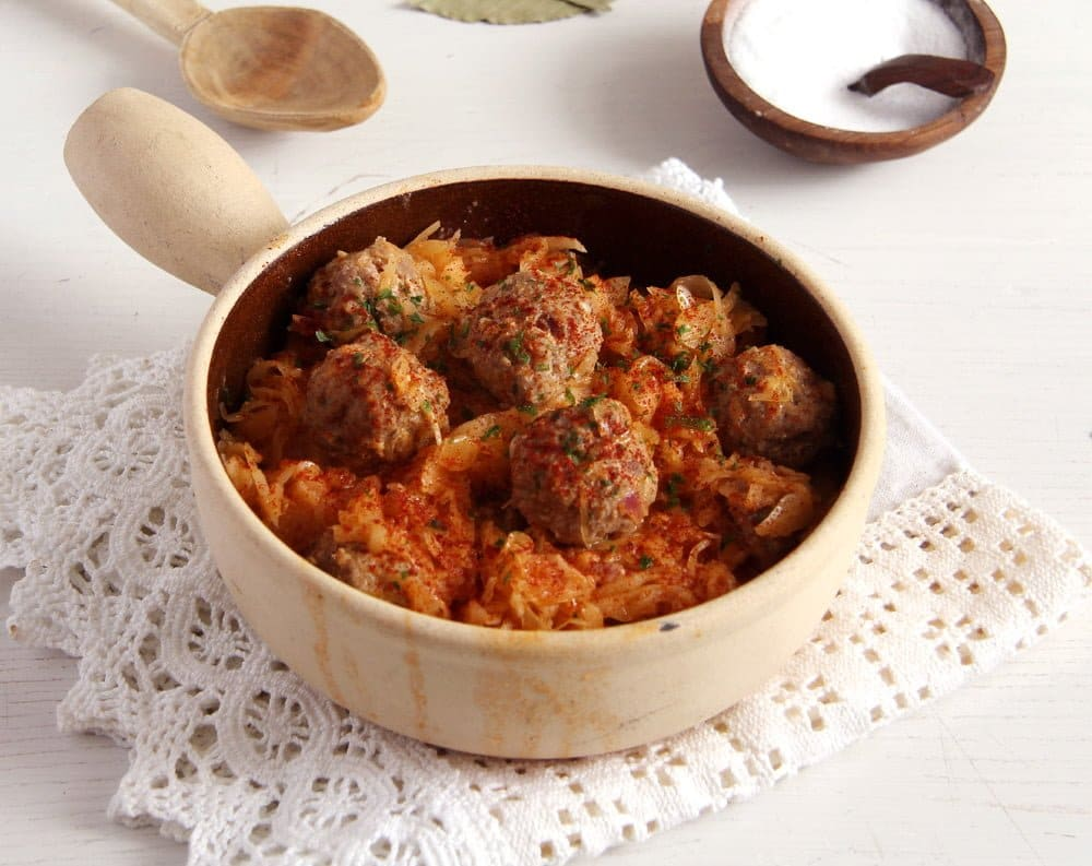 sauerkraut stew with meatballs