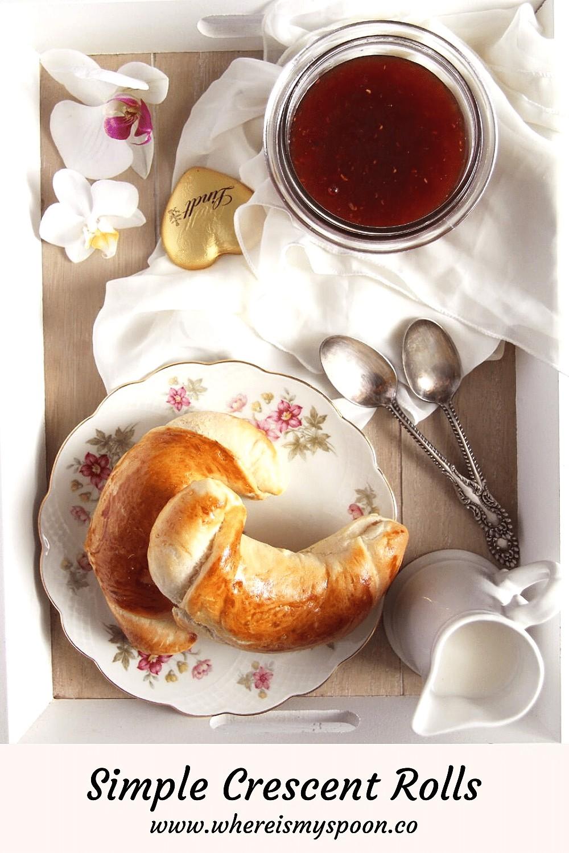 breakfast crescent rolls, Breakfast Crescent Rolls (Romanian cornuri simple)