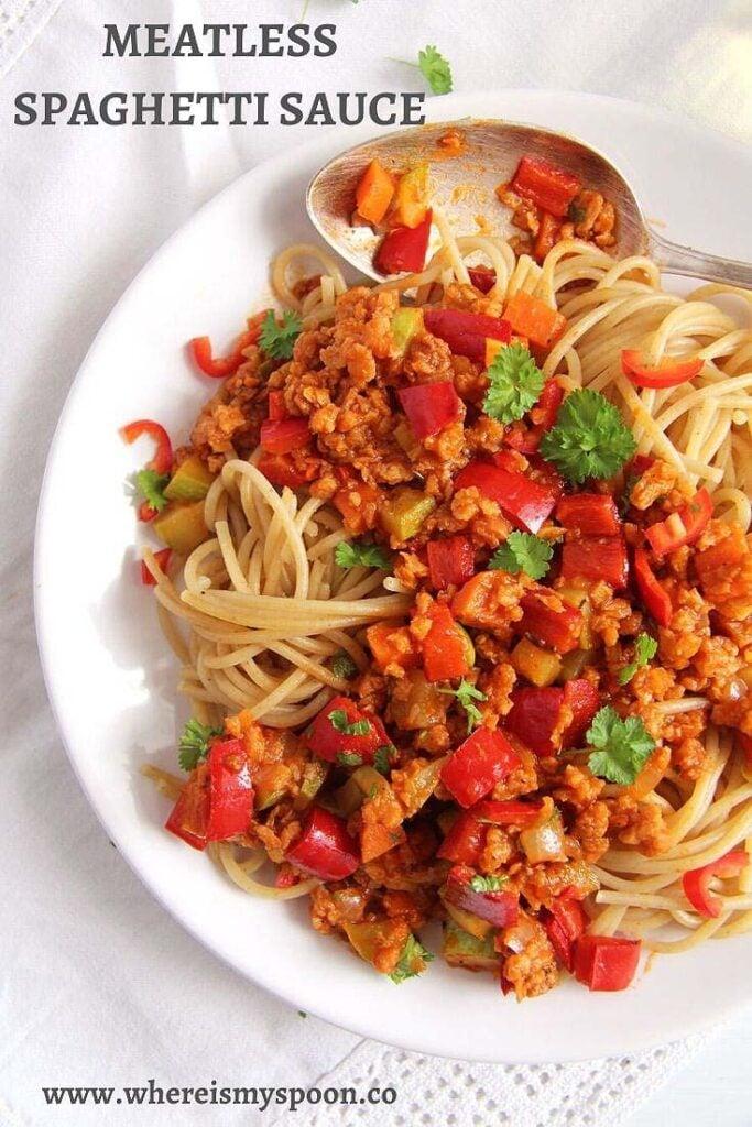 meatless spaghetti sauce in a pan