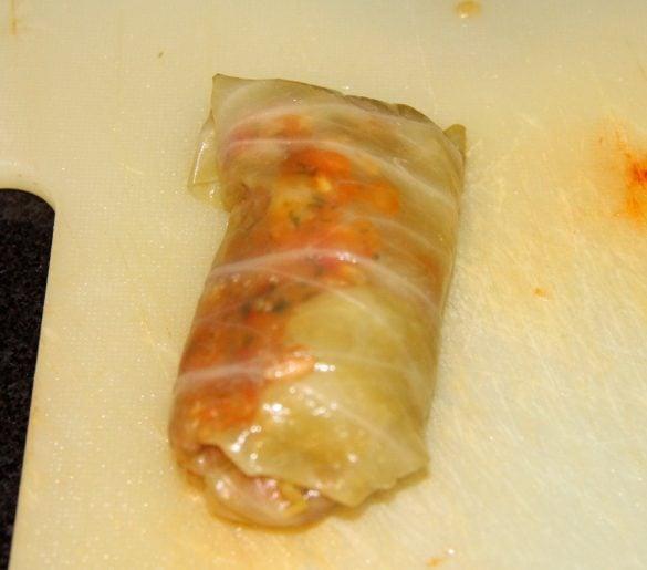 cabbage rolls 8 585x515 Vegan Sauerkraut Rolls with Rice, Walnuts and Raisins